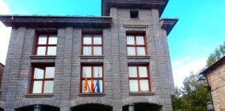 Exterior del Ayuntamiento de Fiscal. Foto: SobrarbeDigital
