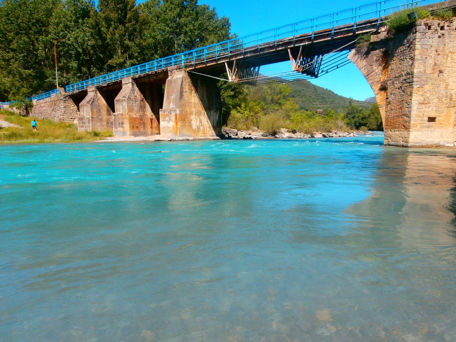 Río Ara a su paso por Boltaña. Foto: SobrarbeDigital