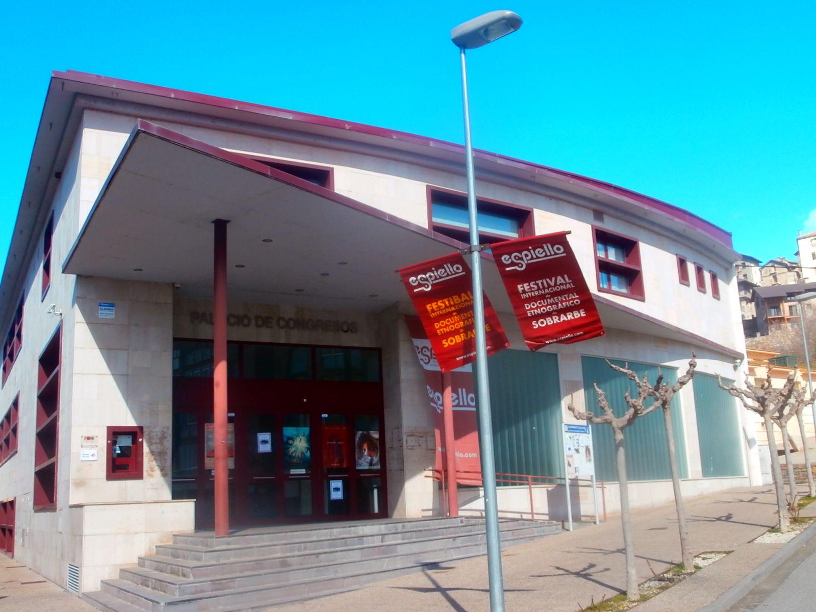 Espiello se celebra en el palacio de Congresos de Boltaña. Foto. SobrarbeDigital.