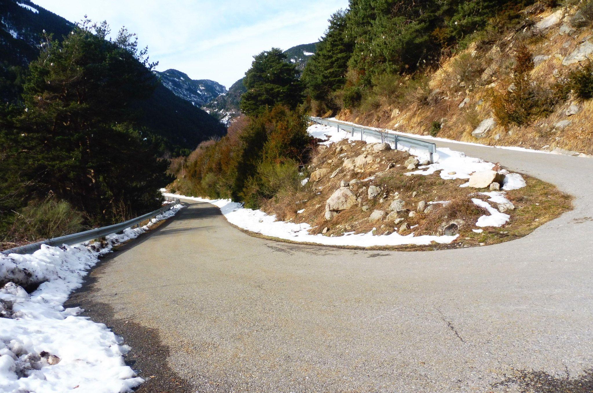 La carretera para subir a Chisagüés. Foto: SobrarbeDigital.