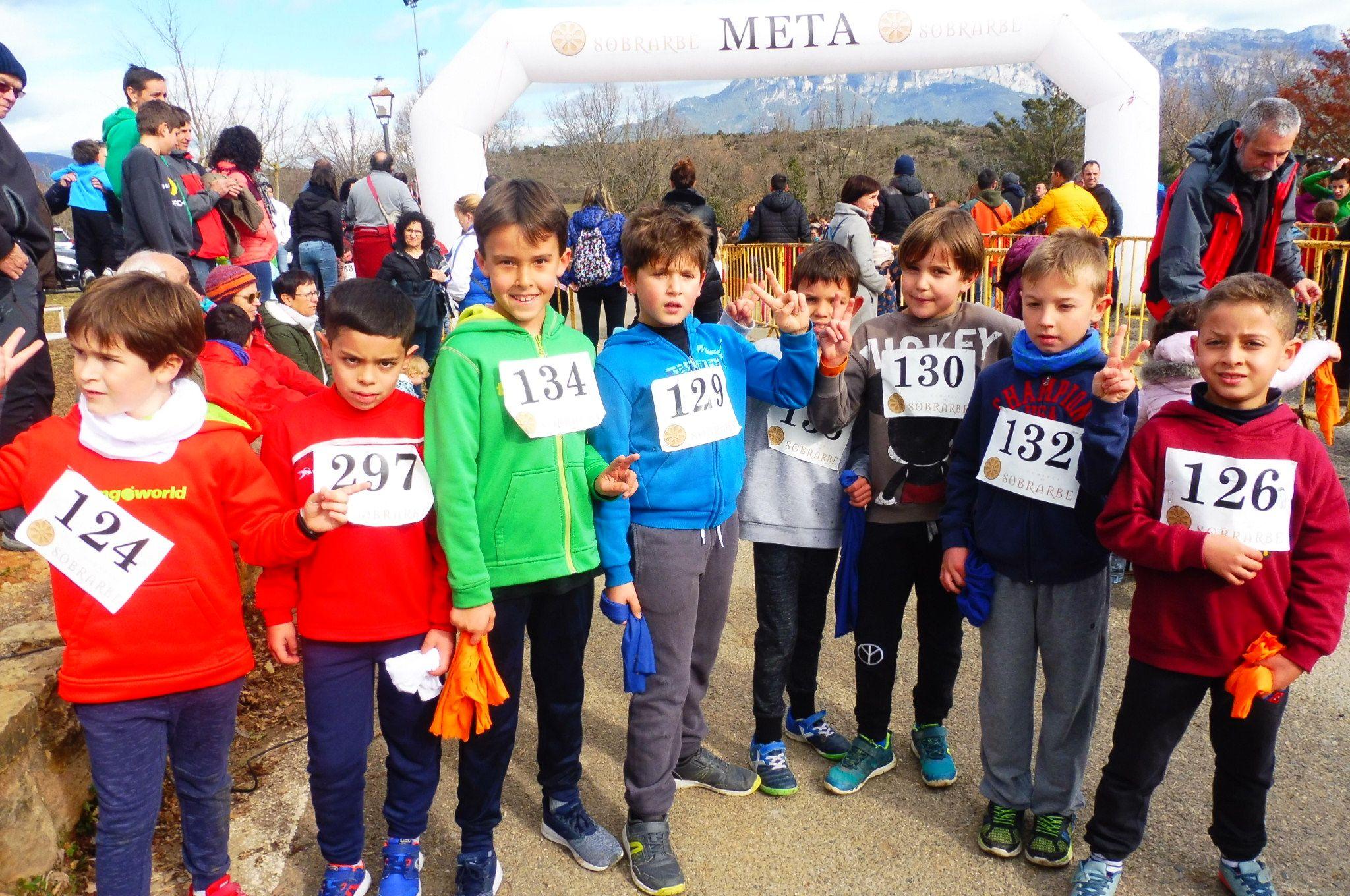 Niños participantes en la carrera. Foto: SobrarbeDigital.