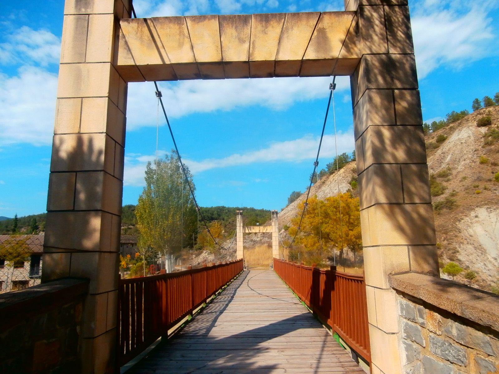 Puente que cruza la A-138. Foto: SobrarbeDuigital.