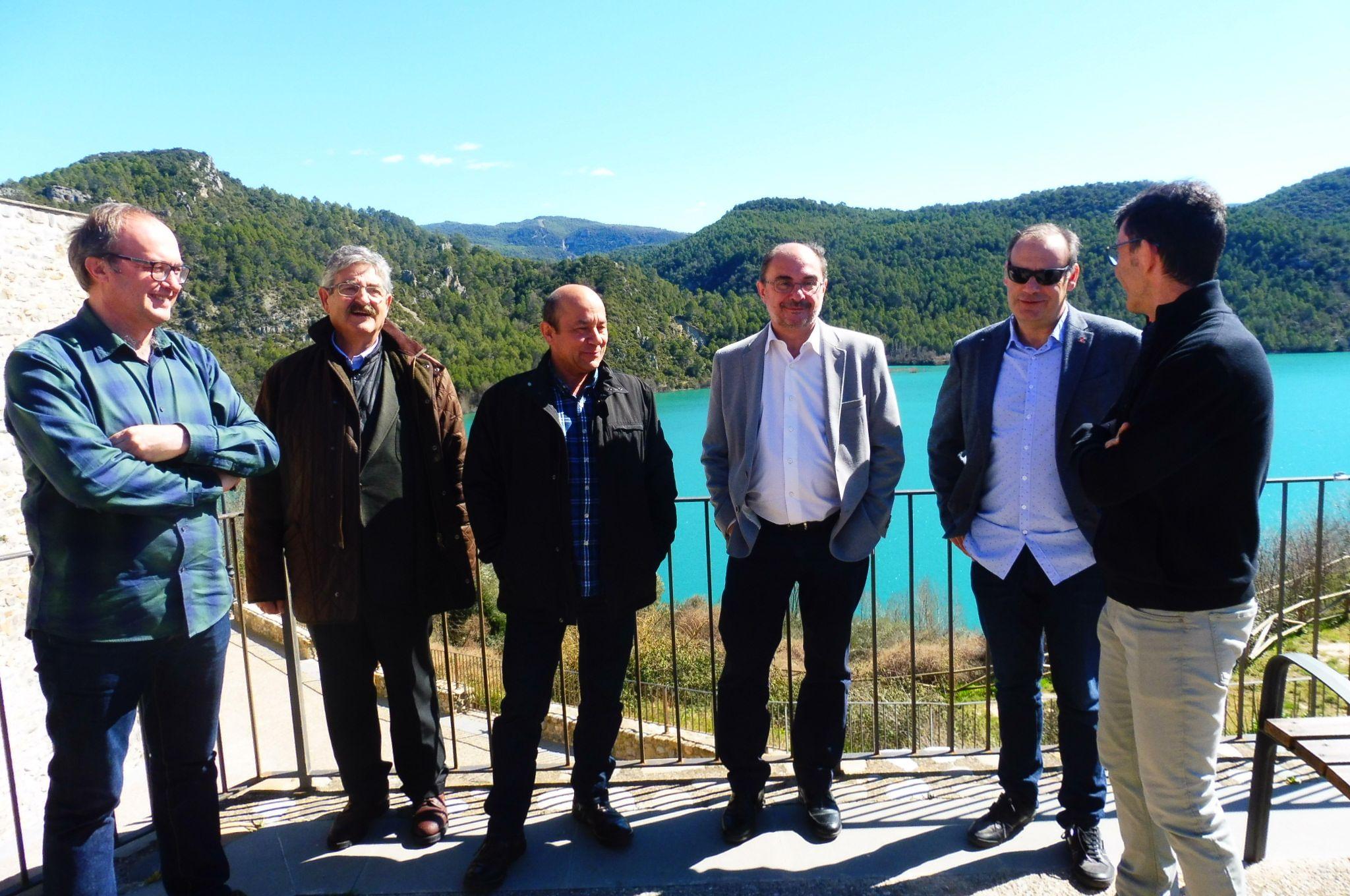 Javier Lambán en su visita a Ligüerre de Cinca. Foto: SobrarbeDigital.