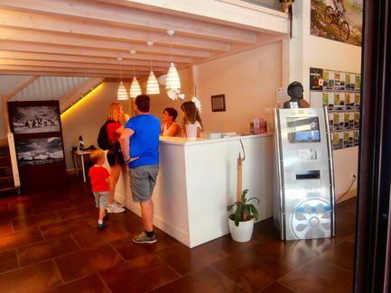 La oficina de turismo de a nsa incrementa las visitas en for Oficina turismo torla