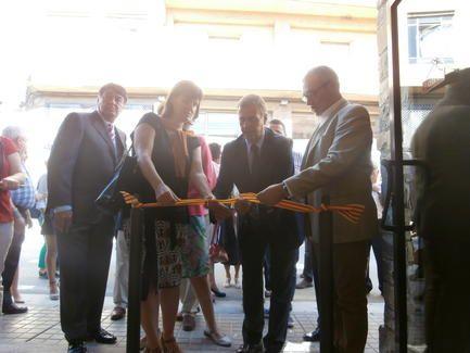 Inaugurada oficialmente la nueva oficina de turismo de for Oficina turismo torla
